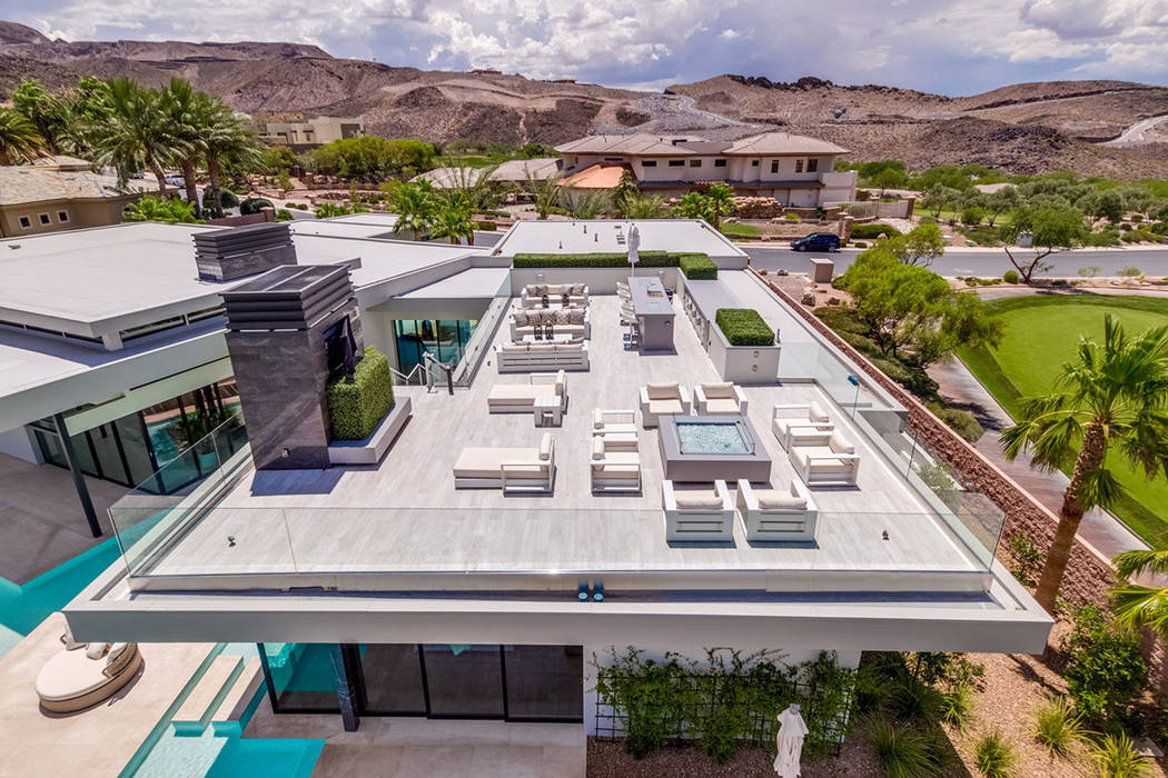 The lifestyle deck offers views of the Las Vegas Strip and desert mountains. (Ivan Sher Group)