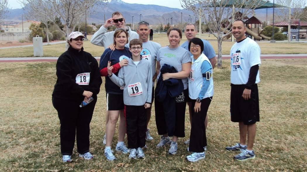 Participants pose for a photo at the 2010 Las Vegas Fat Boy 5k/1-mile fun run. (Tim Kelly/Las Vegas Track Club)