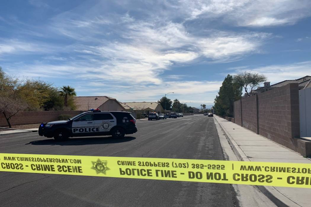 Las Vegas police investigate a shooting on the 9200 block of Starcross Lane in the south valley on Friday, February 1, 2019. (Jessica Terrones/Las Vegas Review-Journal) @JessATerrones