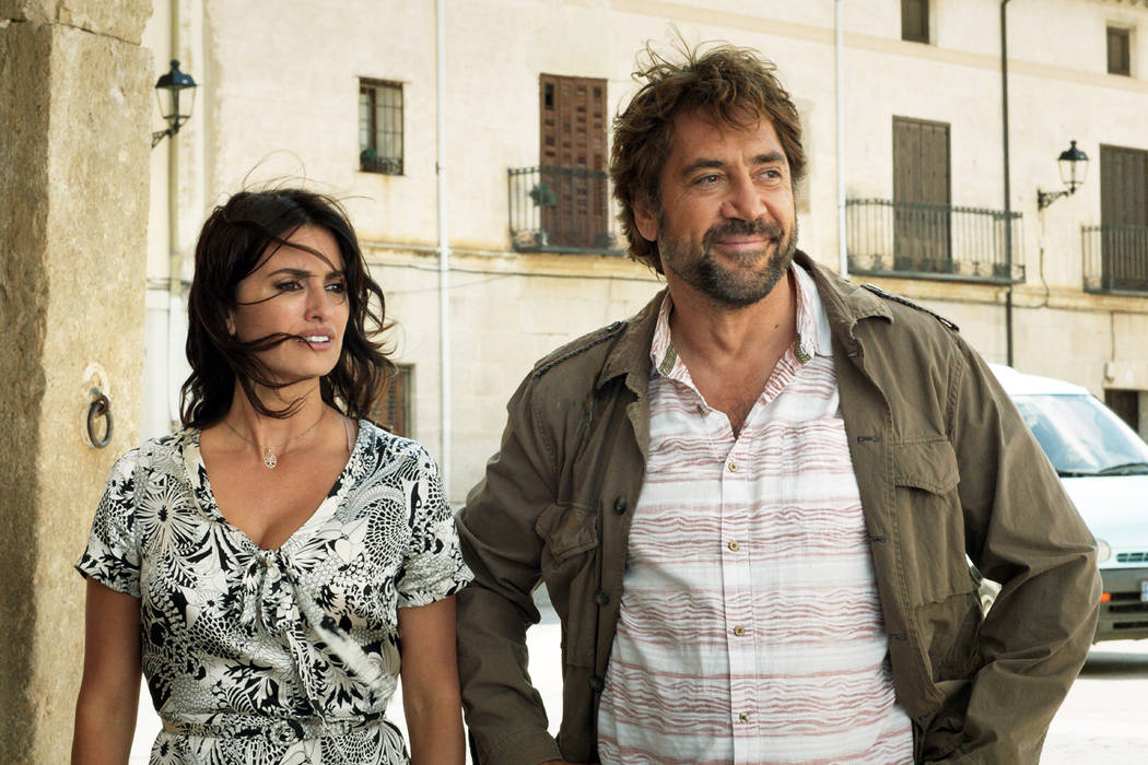 Penélope Cruz stars as Laura and Javier Bardem as Paco in Asghar Farhadi's EVERYBODY KNOWS, a Focus Features release.Credit: Teresa Isasi/Focus Features