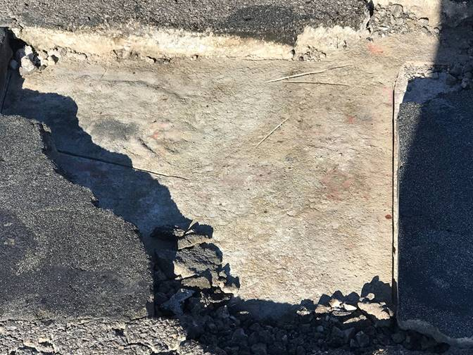 Damage on Interstate 15 northbound caused by a car fire will result in lane reductions Feb. 6, 2019, near Terrible's hotel-casino in Jean. (Courtesy: NDOT)