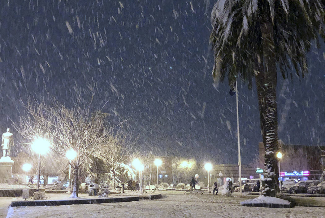 Northern California beaches see snow in latest storm