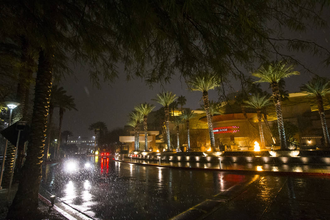 Snow falls outside of Red Rock Resort in Las Vegas on Wednesday, Feb. 20, 2019. (Chase Stevens/Las Vegas Review-Journal) @csstevensphoto