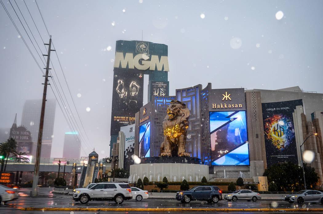 Snow falls outside of the MGM Grand hotel-casino on the Strip in Las Vegas, Thursday, Feb. 21, 2019. (Caroline Brehman/Las Vegas Review-Journal) @carolinebrehman