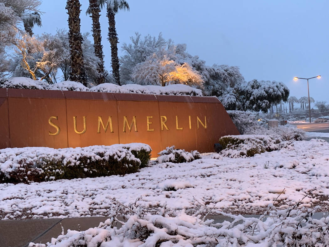 Up to six inches of snow fell in parts of Summerlin Wednesday, Feb. 20, 2019, and Thursday, Feb 21, 2019. (Mat Luschek/Las Vegas Review-Journal)