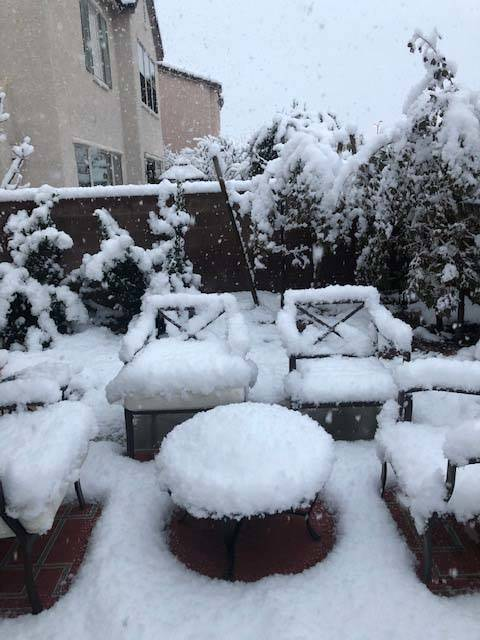 Snow in Summerlin in western Las Vegas, Thursday, Feb. 21, 2019. (Anastasia Hendrix/Las Vegas Review-Journal)