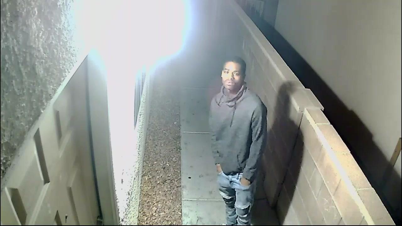 Las Vegas police seek 3 suspects in fatal New Year's shooting — VIDEO