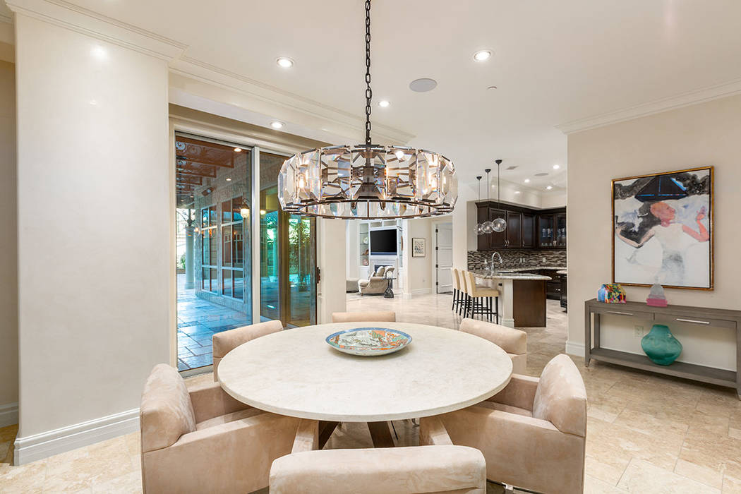 A breakfast nook leads to the courtyard. (Ivan Sher Group)