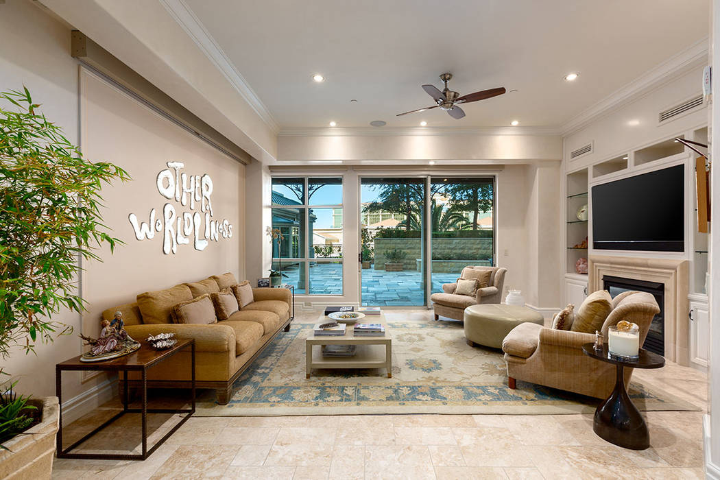 The living area leads to the courtyard. (Ivan Sher Group)