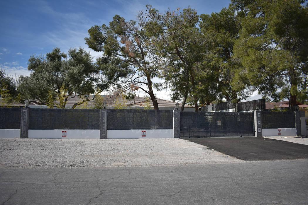 The Enchanted Elegant Mansion in Spring Valley, listed for rent on totalmaxhomes.com located in the 2000 block of El Camino Road. (Rachel Spacek/Las Vegas Review-Journal @RachelSpacek)