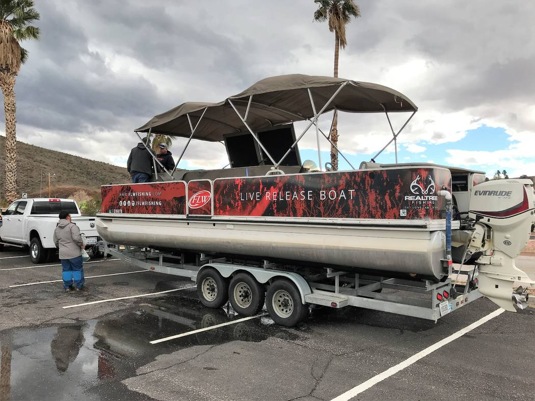 All bass weighed in during the FLW tournaments were placed in live wells on a live release boat and then released each evening outside of Calle Bay at Lake Mead. (Doug Nielsen)