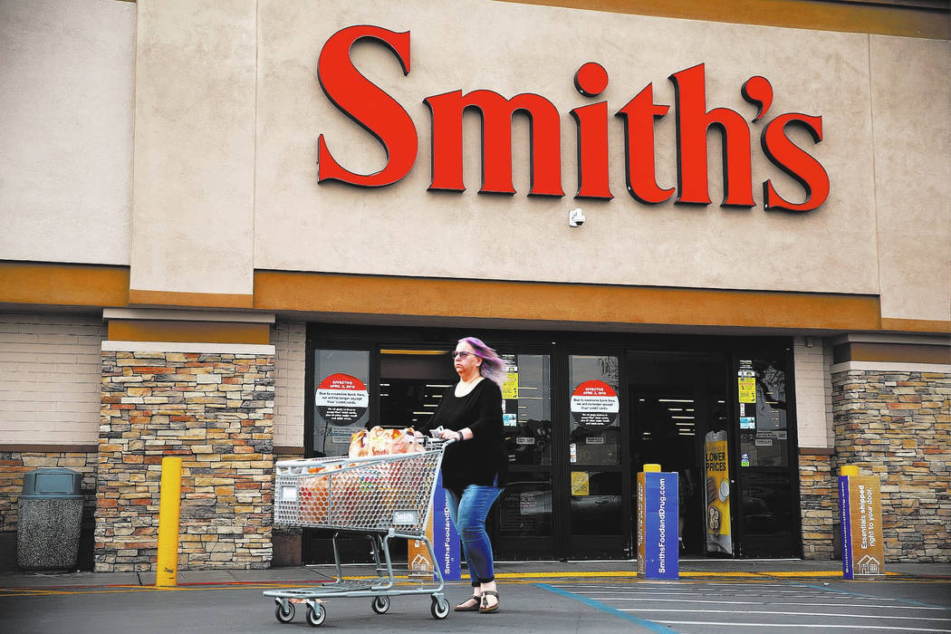 Smith's grocery stores will stop accepting Visa credit cards in Nevada. (Erik Verduzco/Las Vegas Review-Journal) @Erik_Verduzco