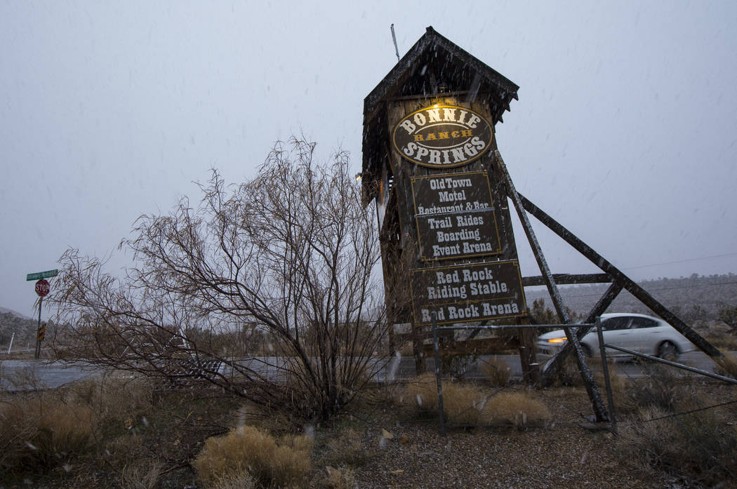 Snow falls around the entrance to Bonnie Springs outside of Las Vegas on Wednesday, Feb. 20, 2019. (Chase Stevens/Las Vegas Review-Journal) @csstevensphoto