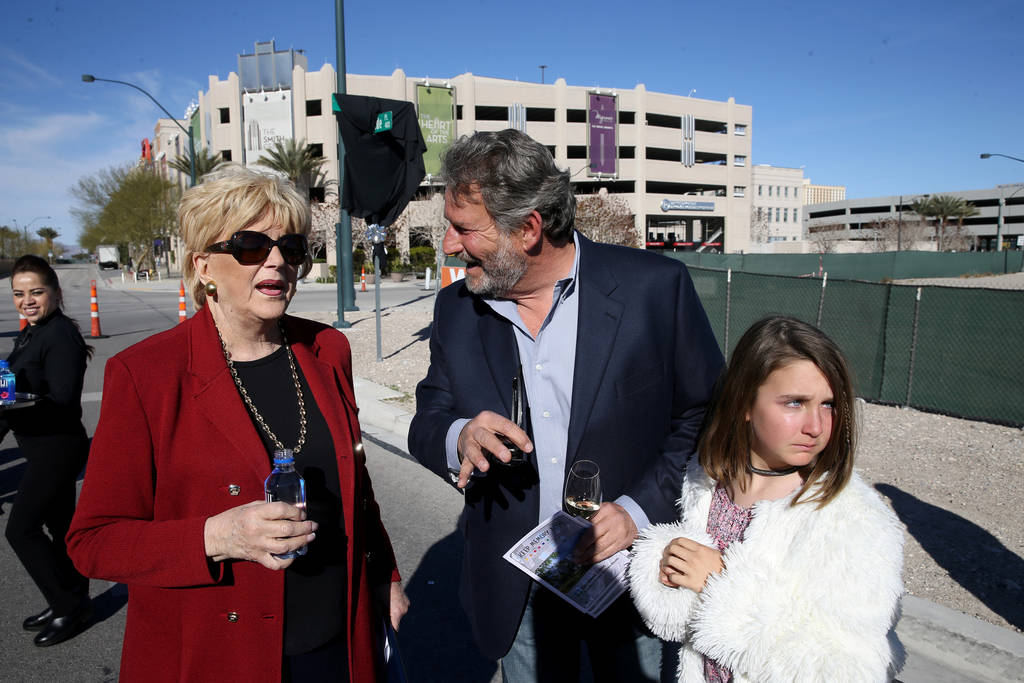 Las Vegas Mayor Carolyn Goodman visits with the late Robin Leach's son, Steve Leach and his daughter Gianna, 10, during a unveiling ceremony for Robin Leach Lane running between the Cleveland Clin ...