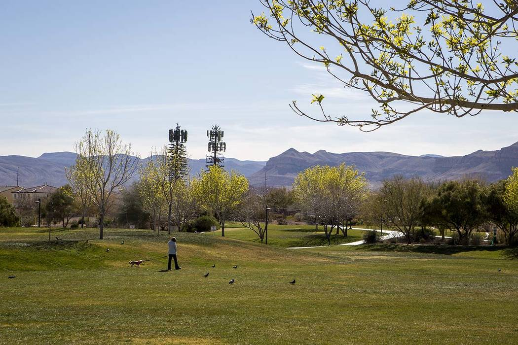 A warm and sunny weekend is forecast for the Las Vegas Valley with highs reaching into the 70s. (Las Vegas Review-Journal file)