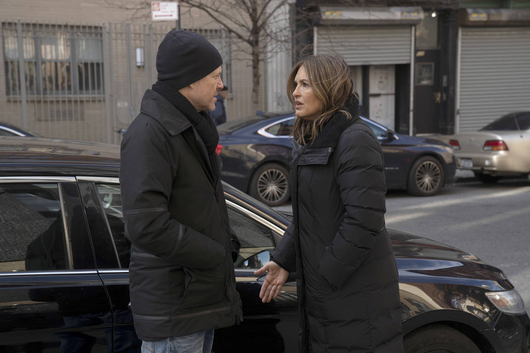 "LAW & ORDER: SPECIAL VICTIMS UNIT -- ""Facing Demons"" Episode 2016 -- Pictured: (l-r) Mariska Hargitay as Lieutenant Olivia Benson, Dean Winters as Brian Cassidy -- (Photo by: Peter K ..."