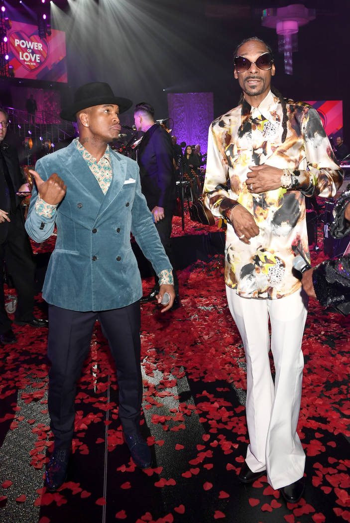 LAS VEGAS, NEVADA - MARCH 16: NE-YO (L) and Snoop Dogg attend the 23rd annual Keep Memory Alive 'Power of Love Gala' benefit for the Cleveland Clinic Lou Ruvo Center for Brain Health at MGM Grand ...