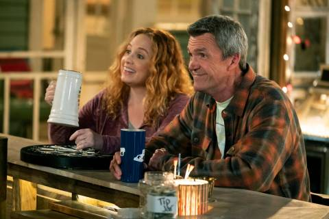"Jessica Chaffin as Beth and Neil Flynn as Fred star in ""Abby's.""( Justin Lubin/NBC)"