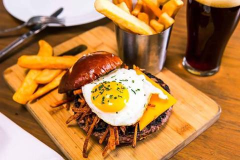 The Pub Burger (The Smashed Pig Gastropub)