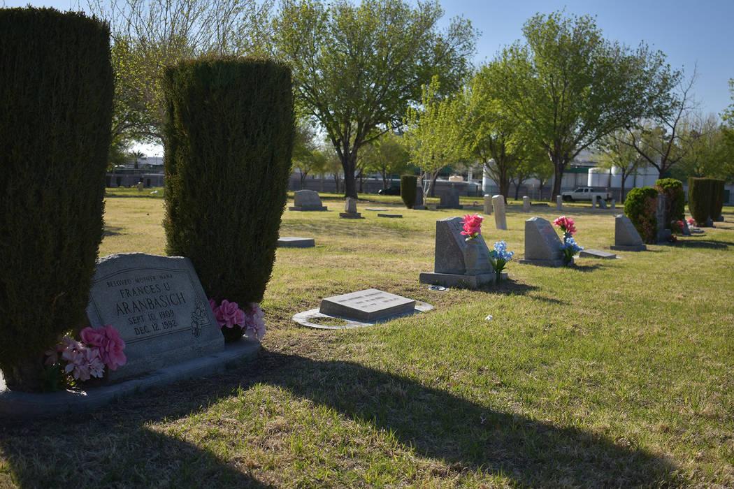 A row of headstones at Woodlawn cemetery on Monday, March 25. Rachel Spacek/ Las Vegas Review-Journal @RachelSpacek