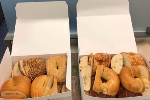 Sliced bagels cause uproar. (Alek Krautman/Twitter)