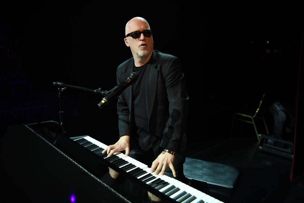 "Donnie Kehr portrays Billy Joel in ""The Greatest Piano Men"" at Flamingo Las Vegas. (Denise Trus ..."