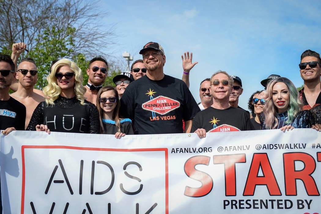 Penn Fraser Jillette and Raymond Joseph Teller of Penn & Teller lead the walk at the 29th A ...