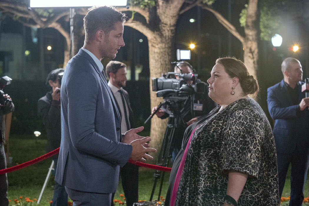 """THIS IS US -- """"A Philadelphia Story"""" Episode 302 -- Pictured: (l-r) Justin Hartley as ..."""