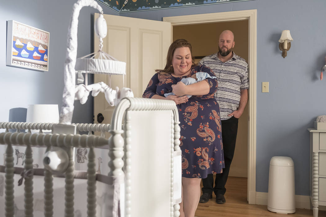 """THIS IS US -- """"Her"""" Episode 318 -- Pictured: (l-r) Chrissy Metz as Kate, Chris Sulliv ..."""