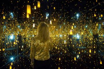 """Dawn Michelle Baude explores the """"Infinity Mirrored Room"""" at Yayoi Kusama's new exhib ..."""