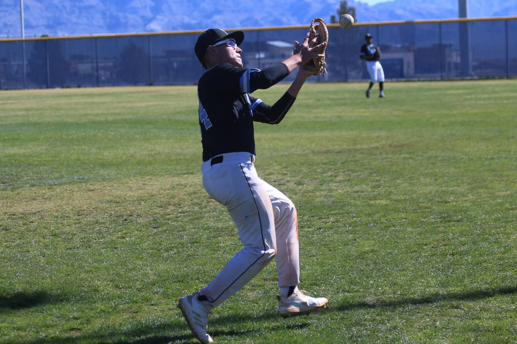 Carson's Andrew Gutierrez (24) drops the ball in foul territory against Arbor View in the baseb ...