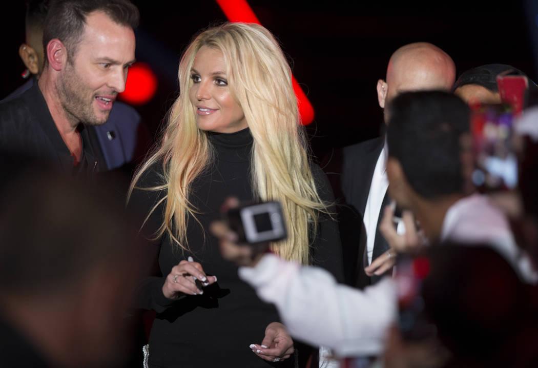 Britney Spears' mother, Lynn, creates waves on social media