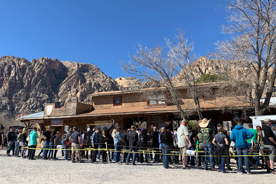 Visitors line up early to get one last trip to Bonnie Springs Ranch, Sunday, March 17, 2019, be ...