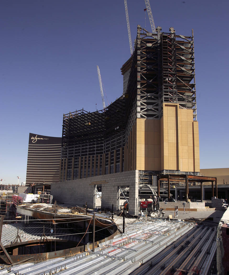 Palazzo Tower under construction at the Venetian Hotel Thursday, February 1, 2007. (JOHN GURZI ...