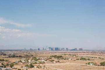 A view of the Las Vegas Strip from Exploration Peak Park. (Las Vegas Review-Journal)