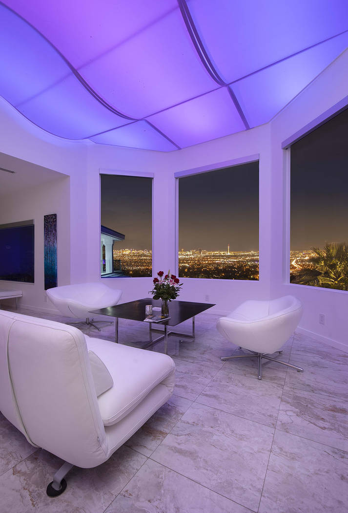 The living area has sweeping views of the Las Vegas Valley. (Sotherby's International Realty, ...