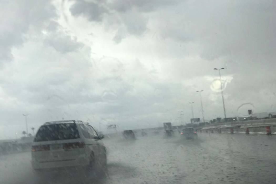 Rain on Interstate 15 in Las Vegas, April 29, 2019. (Heidi Fang/Las Vegas Review-Journal)