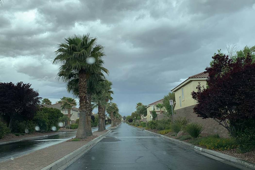 Thunderstorms are moving into the Las Vegas Valley, with rain in Southern Highlands, Monday, Ap ...