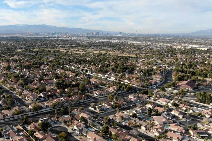 Aerial view of homes near Valle Verde Drive in Henderson, Dec. 22, 2018. (Michael Quine/Las Veg ...