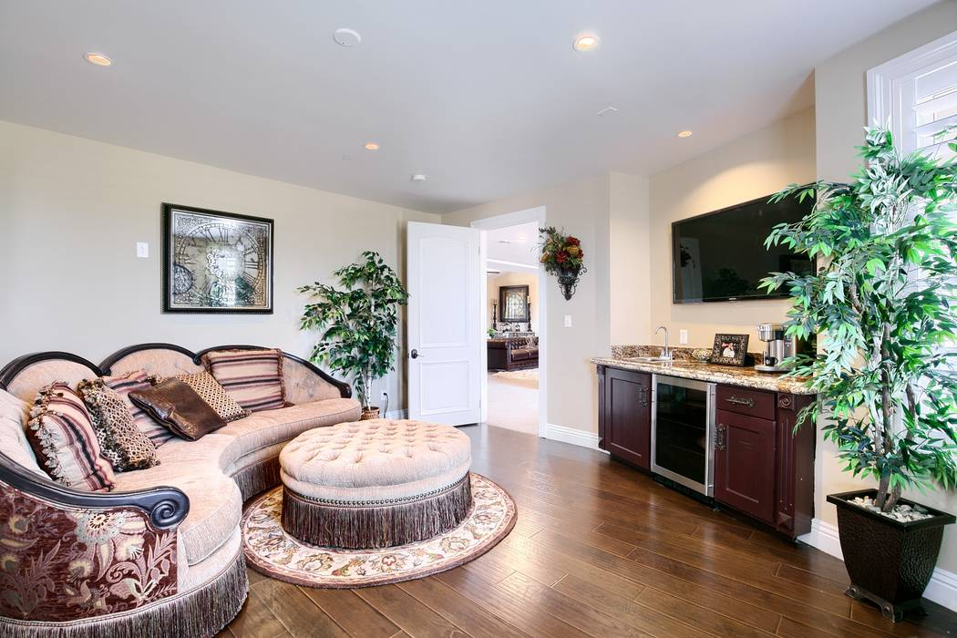 The master suite has a sitting area and kitchenette. (Signature Real Estate Group)
