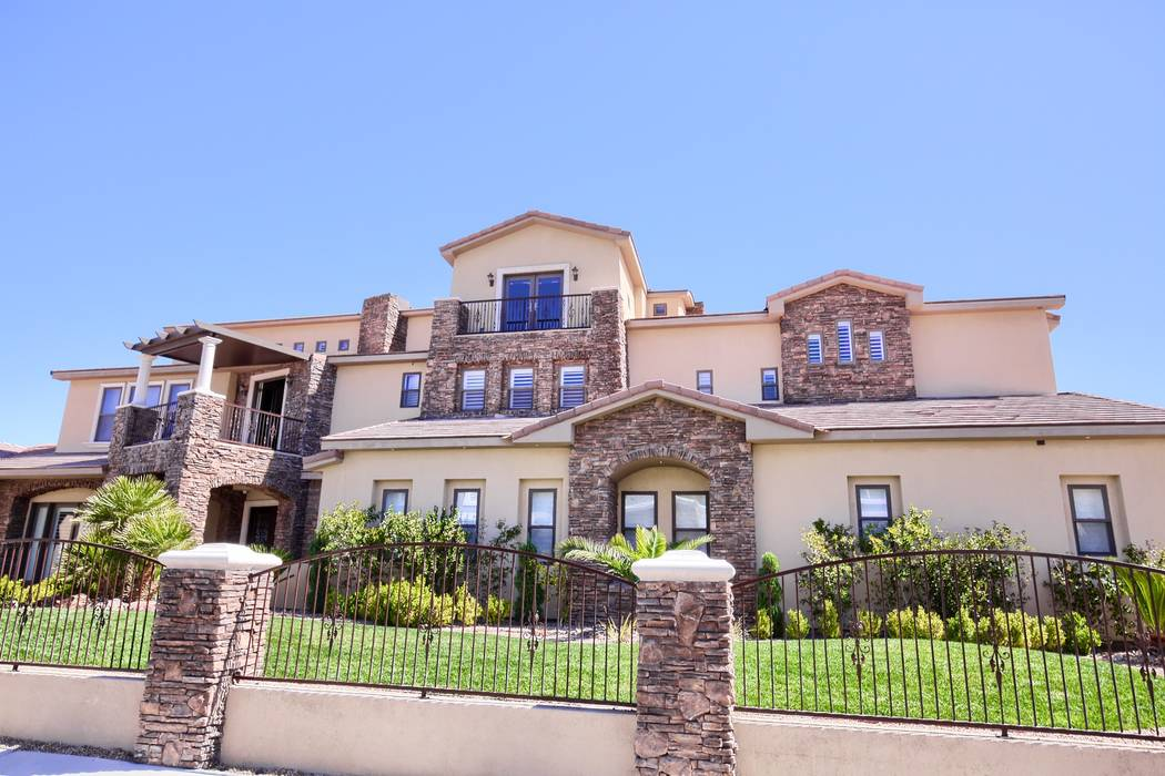 """Tanked"" star Brett Raymer lists home on Lone Mountain Drive for $3.2 million. (Signature Real ..."