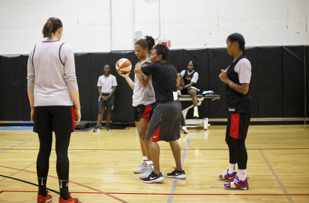 Las Vegas Aces Asst. Coach Vicki Johnson works with the team during the first training camp of ...