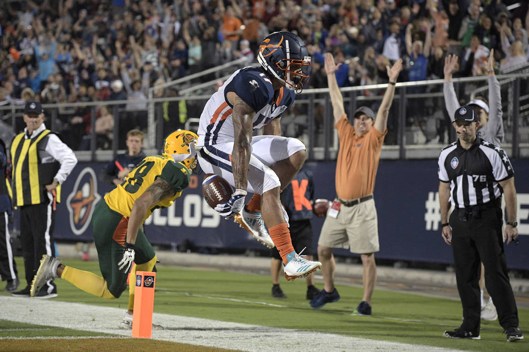 Orlando Apollos receiver Jalin Marshall (17) scores a touchdown in front of Arizona Hotshots de ...