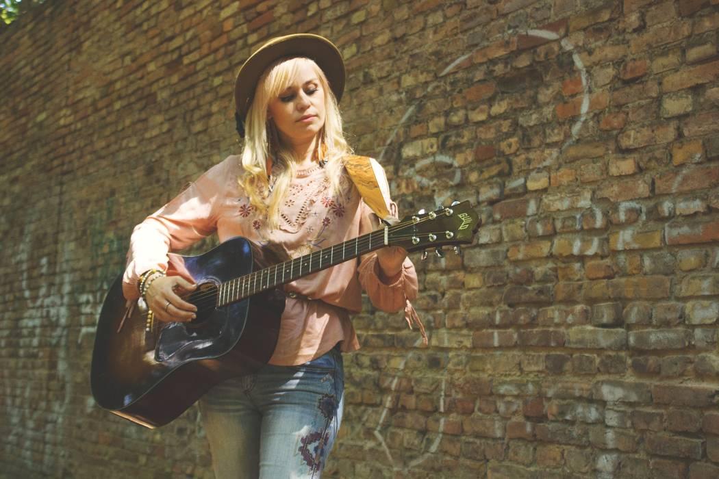 Sofia Talvik (Makaki Music)