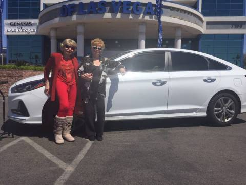 Hyundai of Las Vegas customer Diane Bedno, right, and her sister, Rita Keenan, are seen with th ...