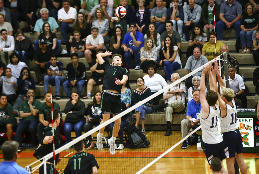 Palo Verde's Kade Madsen (3) looks to send the ball over to Coronado during the Class 4A state ...