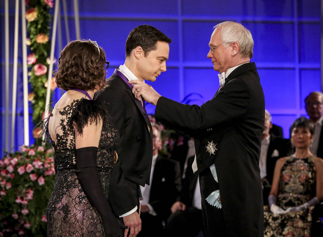 """Mayim Bialik, left, and Jim Parsons, center, perform in a scene from the series finale of """"The ..."""