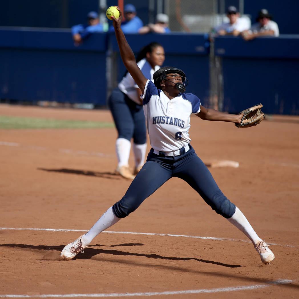 Shadow Ridge pitcher Jasmine Martin (8) throws against Coronado in their Class 4A state champio ...