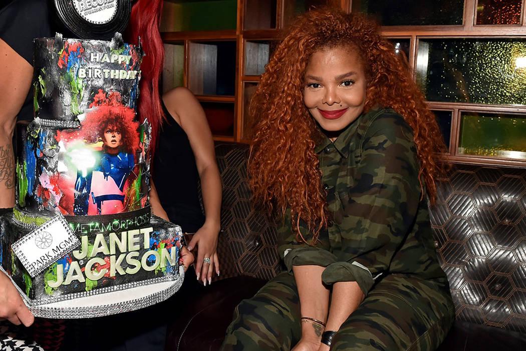 Janet Jackson S Metamorphosis In Las Vegas Shows She Can Still