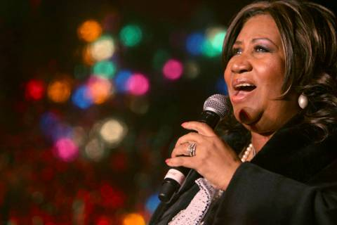 Aretha Franklin performs Dec. 4, 2008, during the 85th annual Christmas tree lighting at the Ne ...